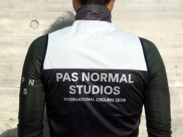 常に高回転! | PAS NORMAL STUDIOSを着てみて